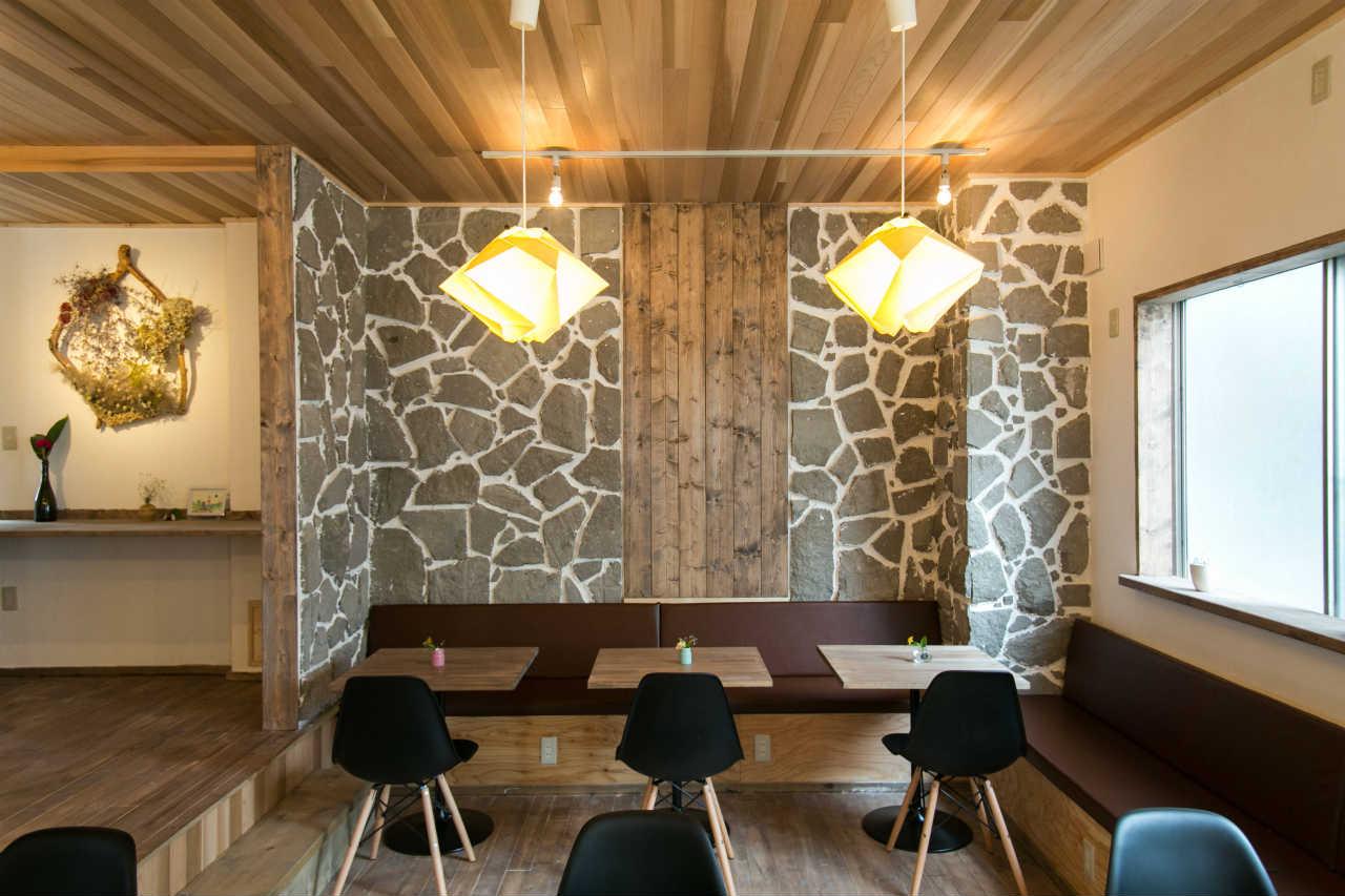 yuyuのリビングルームを暖かく照らす2つの折り紙照明、雪珠(ゆきたま)